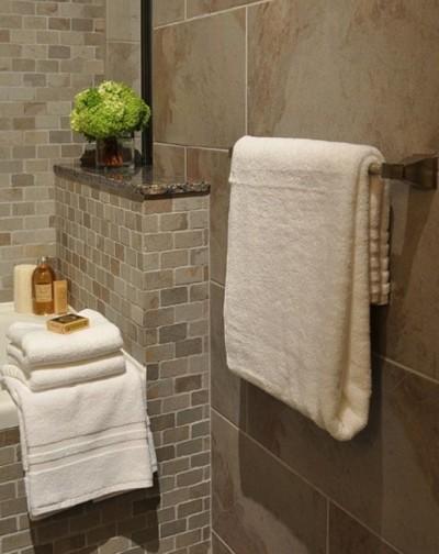 spa bathroom with neutral tile