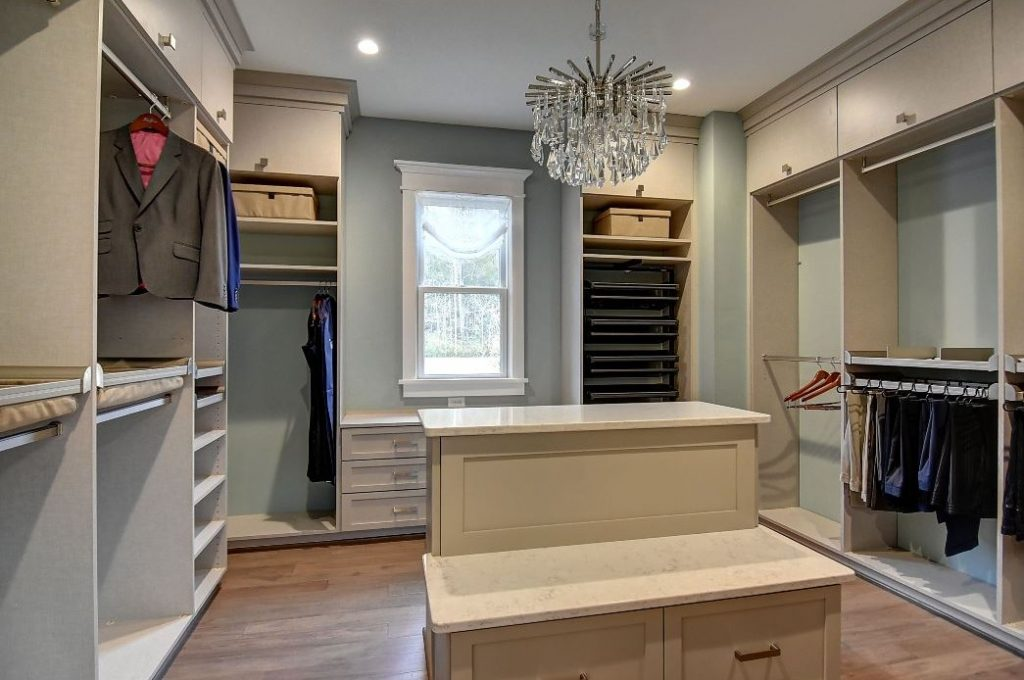 Chesapeake closet design
